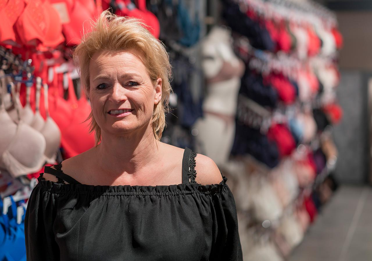 In Schijndel Classic style lingerie